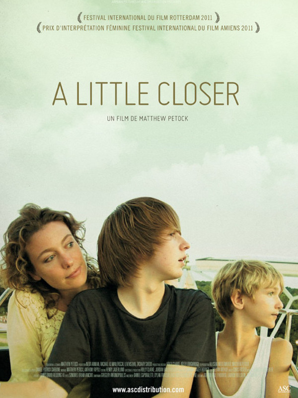 "Afficher ""A Little Closer"""