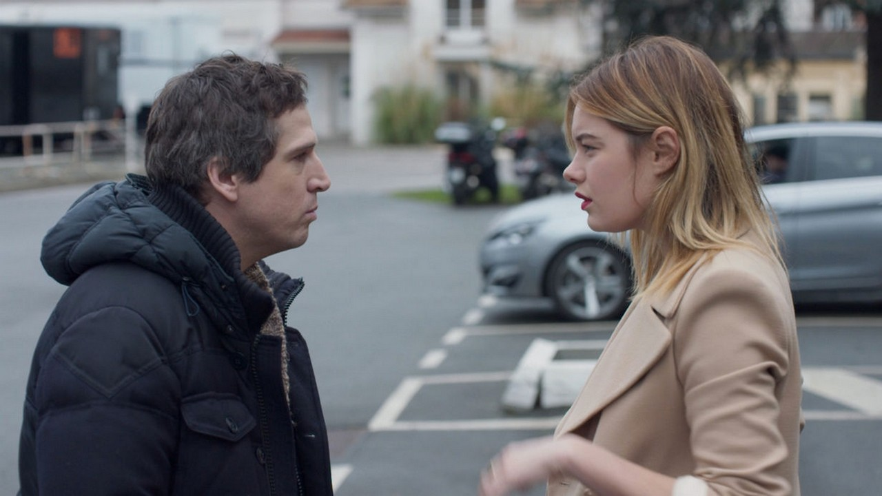 video-rock-n-roll-guillaume-canet-ridiculise-par-camille-rowe-dans-le-premier-extrait-du-film.jpg
