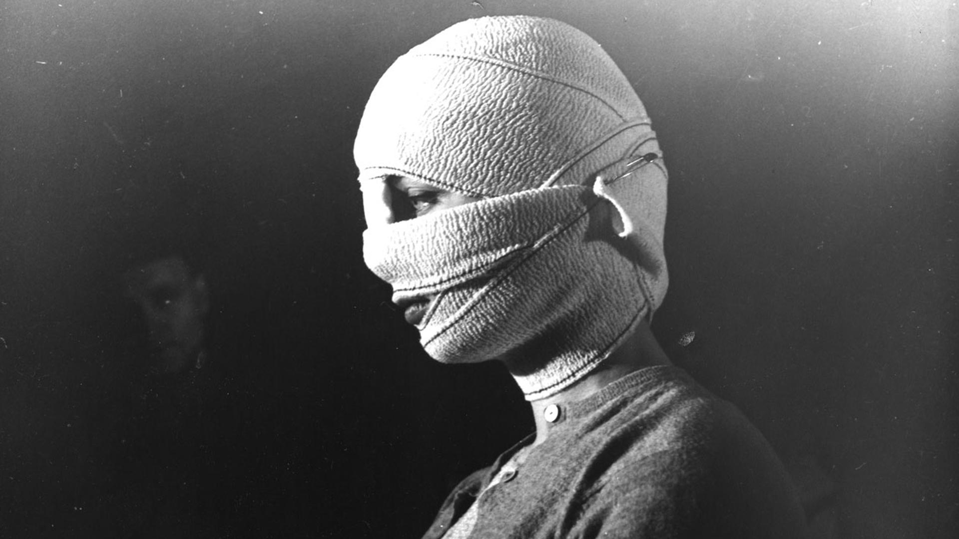 les-yeux-sans-visage-6.jpg