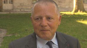 Emmanuel Hirsch, dans la chambre de Michael Noer